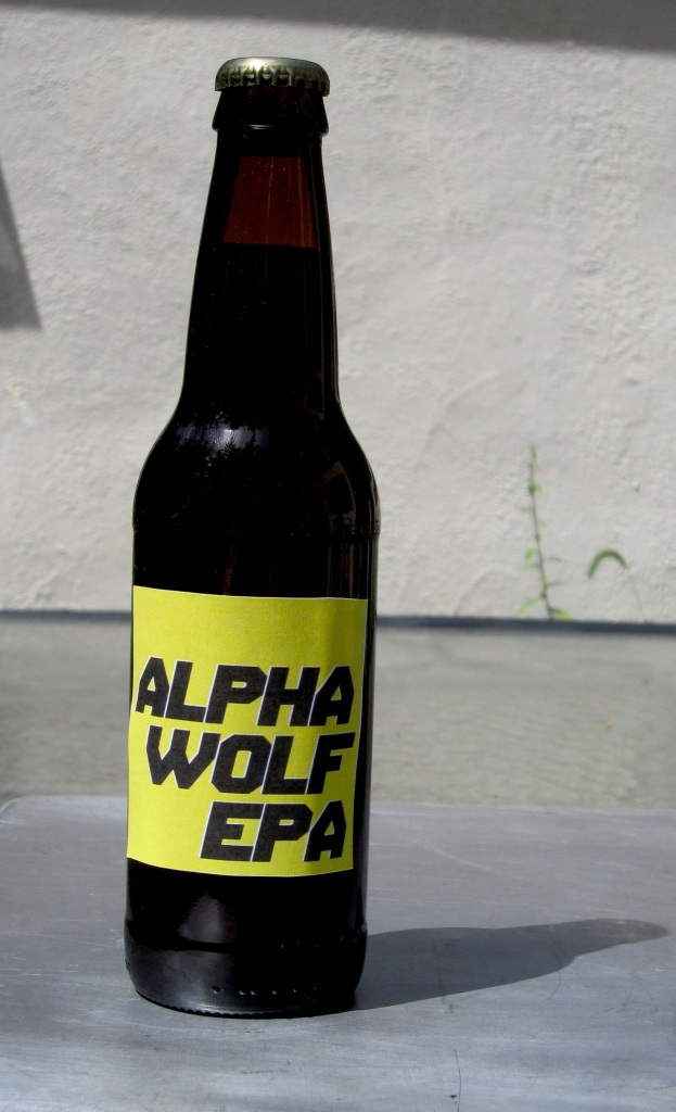 alpha_wolf_epa_beer_yellow2